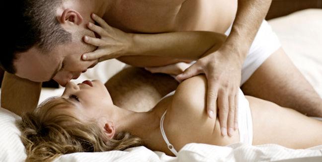 10 cosas que todo hombre quiere en la cama