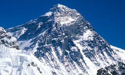 Everest_721418-240