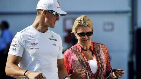 Schumacher-Corinna-llevarlo-Suiza-EFE_CLAIMA20140401_0108_17