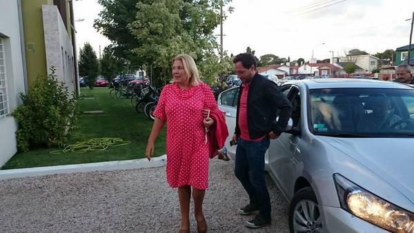 Elisa-Carrio-Maximiliano-Ferraro-interior_CLAIMA20150205_0209_27