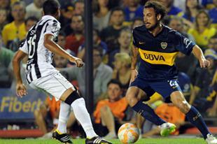 Daniel Osvaldo debutó con un gol y prolongó la fiesta de Boca, que sigue ganando