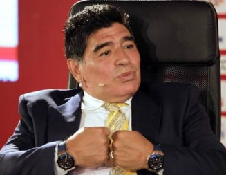 Maradona va por el sillón de la FIFA
