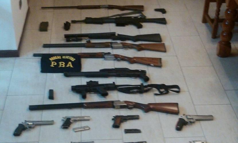 Secuestros-Pistolas-ametralladora-encontrados-allanamientos_CLAIMA20160104_0265_39